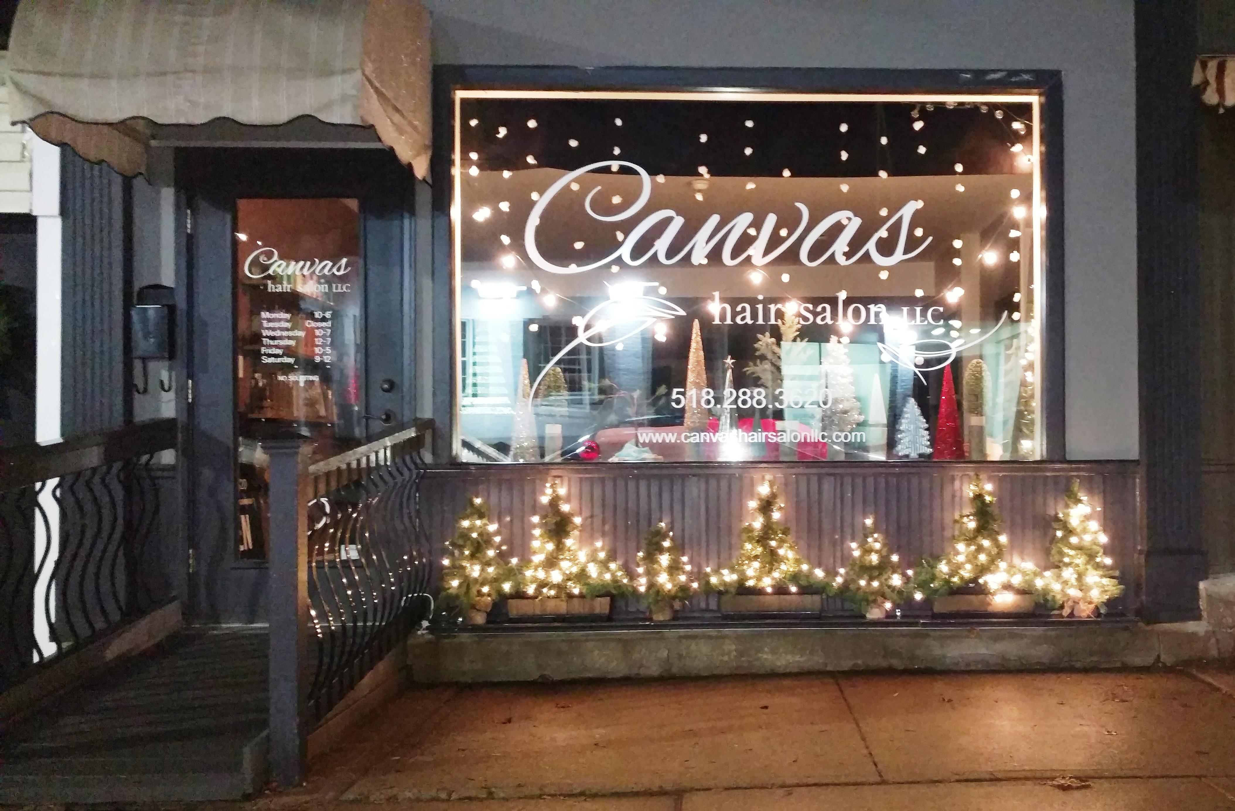 Holiday window decorating ballston spa business for Salon xmas decorations